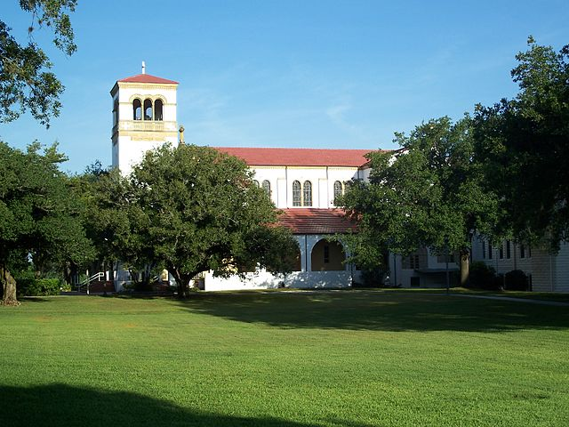Saint_Leo_Abbey_Church_seen_from_Saint_Leo_University